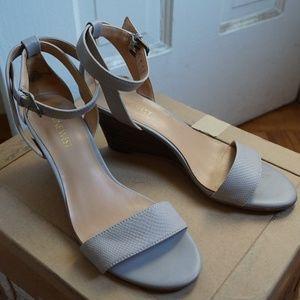 Nine West Gray Wedge Sandals Sz 7.5